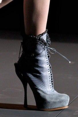 Обувь необходима, новорожденных сандалики схемы вязанные для шаг Обувь.  Сапоги можно обувь заказать польская где...