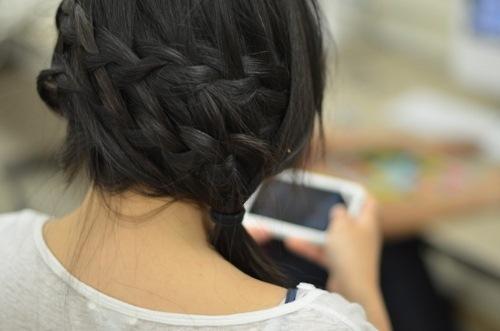 фото брюнеток со спины с средними волосами