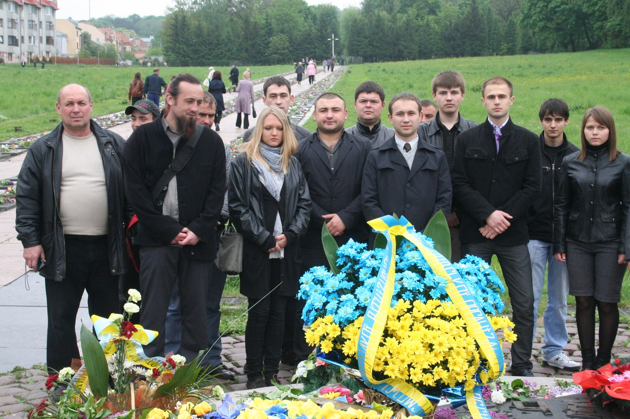 Молоді регіони Львівщини вшанували пам'ять жертв війни