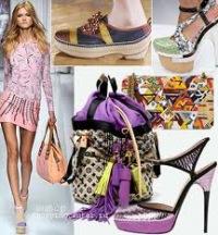 На фото женские сумки и обувь 2012: розовая сумка и обувь Versace, туфли...