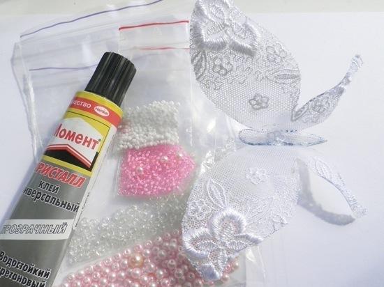 Старайтесь подбирать бисер из одной цветовой гаммы, или одного цвета, но разных оттенков, тогда ваша бабочка будет...