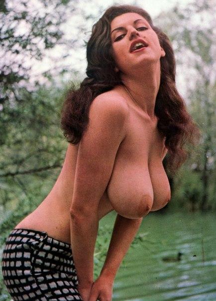 zhenskaya-retro-foto-erotika-samoe-luchshie-devushki