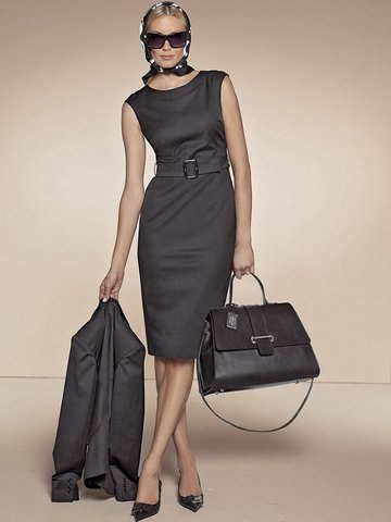 6. Офисное платье - повседневный наряд женщины для работы в офисе.