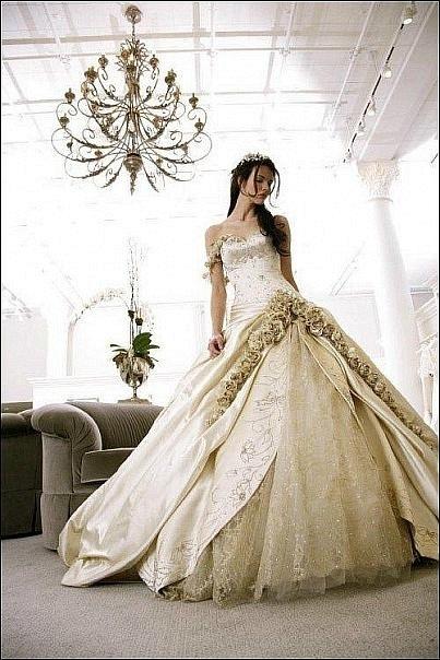 Кавказские свадьбы: свадебные платья.