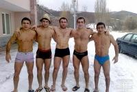 Кавказские обнаженные мужчины