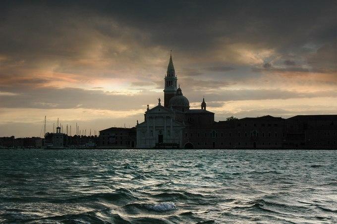 Джузеппе Десидери (Giuseppe Desideri) поосновному роду деятельности— учитель. Всвободное время фотографирует родную Италию. Живет вгороде Тревизо.— Фото № 7
