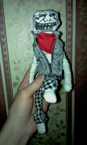 Кукла в виде интернет персонажа