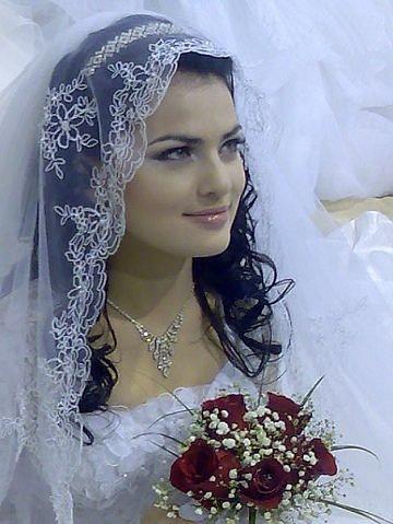 Самые шикарные свадебные платья в
