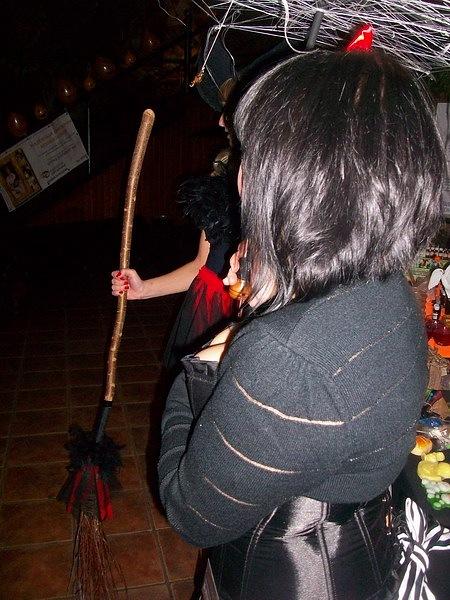 """Фотоотчет с выставки """"Рыжая ворона. Хеллоуин по-русски 2010"""" 16 октября X_5a659a5b"""