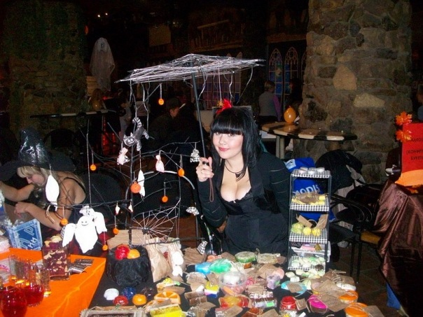 """Фотоотчет с выставки """"Рыжая ворона. Хеллоуин по-русски 2010"""" 16 октября X_c2f20baa"""