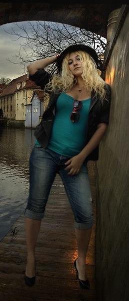 http://cs11275.vkontakte.ru/u2155027/-6/x_0347222e.jpg