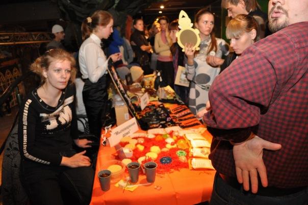 """Фотоотчет с выставки """"Рыжая ворона. Хеллоуин по-русски 2010"""" 16 октября X_32f374ce"""