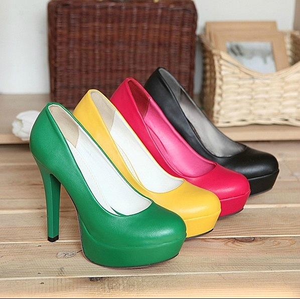 Гламурные туфли на высоком каблуке
