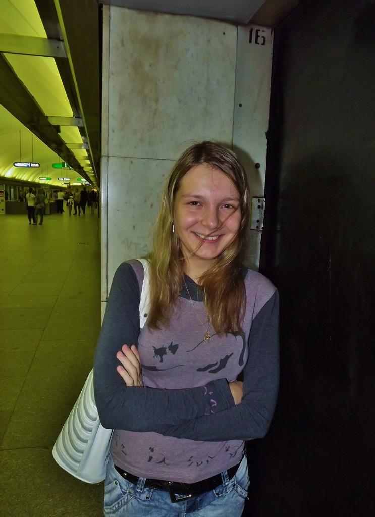 http://cs11297.vkontakte.ru/u13221591/141499903/z_63b8ab21.jpg
