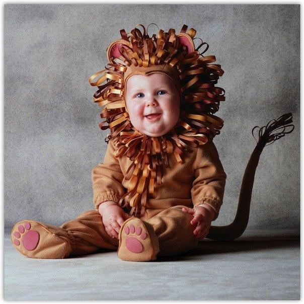 Малыши в костюмах зверей