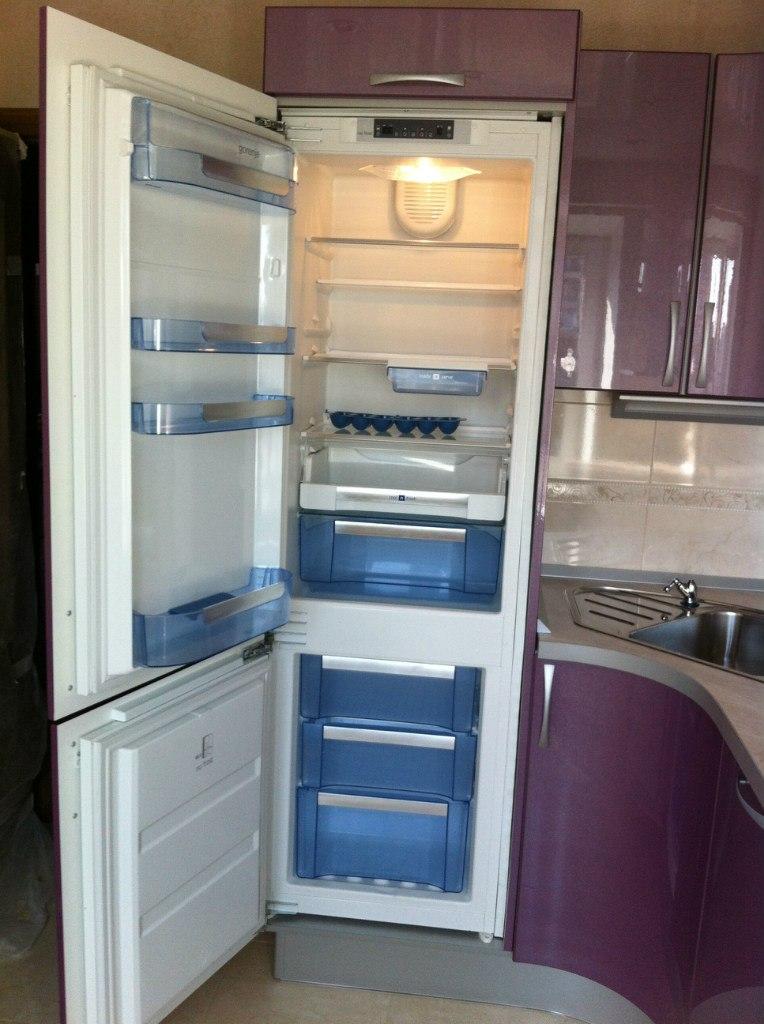 купить встроенный холодильник bosch