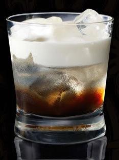 """Коктейль  """"Белый русский """" - это коктейлей со сливками на основе."""