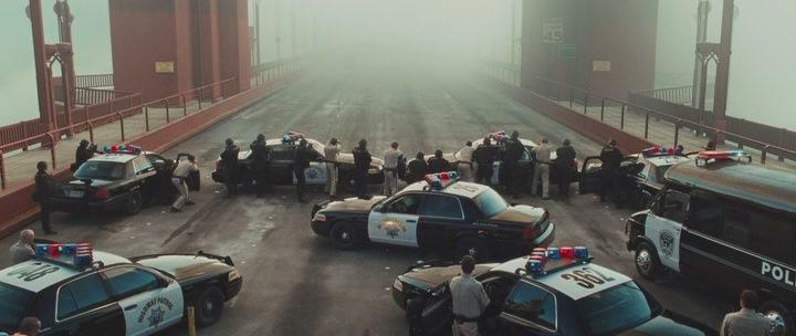 полиция на мосту