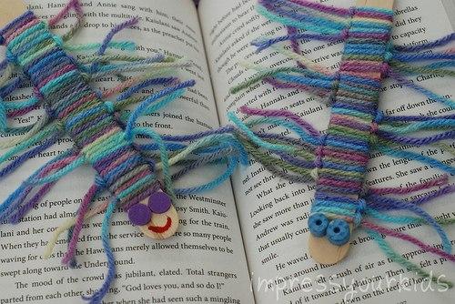 Как сделать из ниток закладку для книг