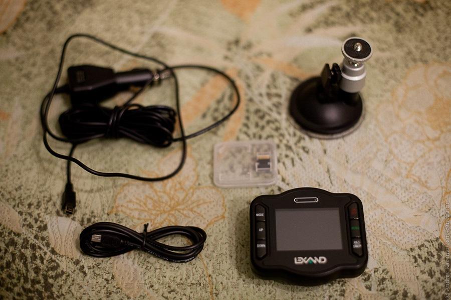 видеорегистратор Lexand LR-2000