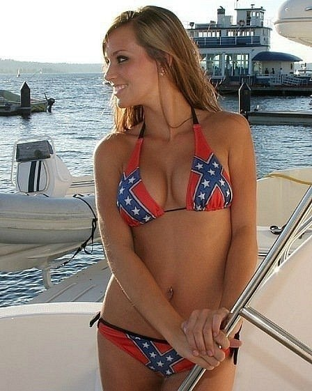 купальники с флагом