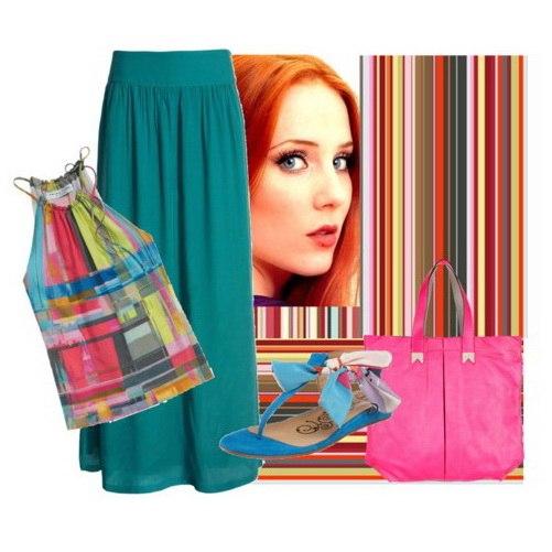 ...оттенка с топом кораллово-сине-зелёных тонов в сочетании с голубыми сандалиями и объёмной розовой сумкой.