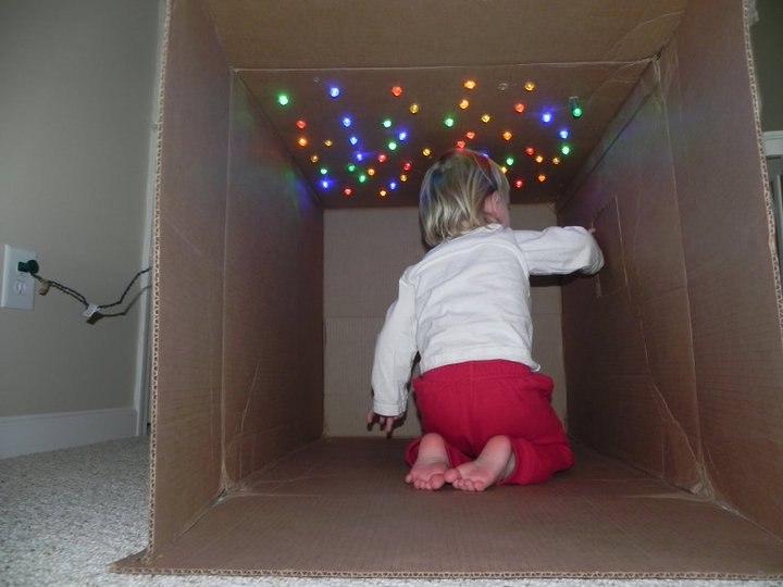 Дом для ребенка из коробки фото