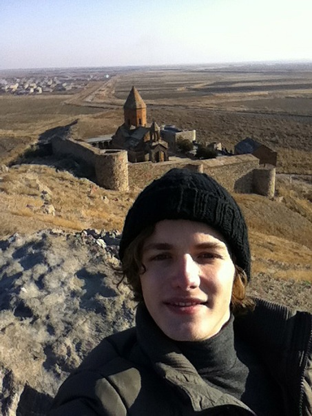 http://cs11450.vkontakte.ru/u148174599/148146212/x_53f4fd29.jpg