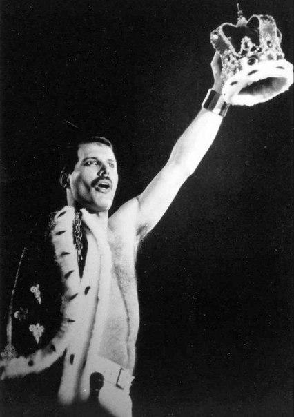 Queen.  Brian May.  Freddie Mercury & Montserrat Caballé.