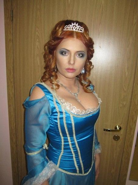 golaya-yanina-bugrova-foto