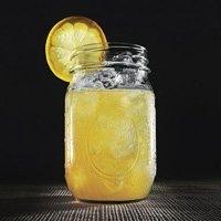 ...коктейль с джином, жасминовым чаем, Лимончелло и соком грейпфрута.