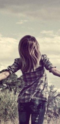 Картинки девушек со слезой на аву