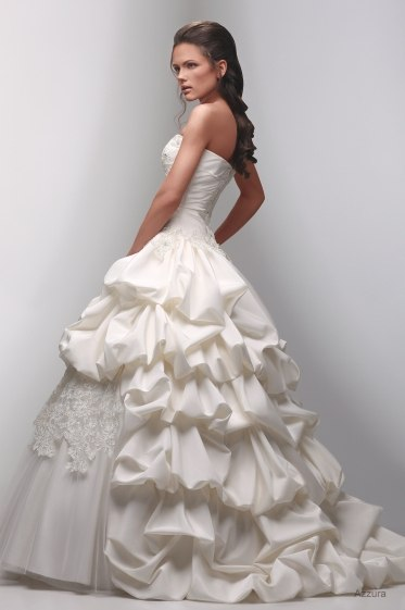 Новая коллекция свадебных платьев в. Mikaktilar.  670 pxРазмер.