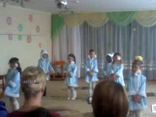 1-ый Танец на 8 марта 2010 в детском саду