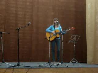Моя юная исполнительница Тася поёт песню моей воспитанницы конца 90-ых Тани Клеветовой Птица