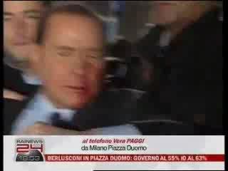 Silvio Berlusconi Colpito e ferito al Volto a Milano