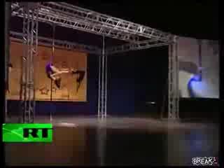 Изабелла Акопян упала на чемпионате по танцу с шестом
