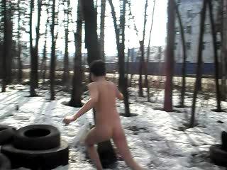 мальчик по имени клим поспорил на 10руб. что он побежит голый чясть 2