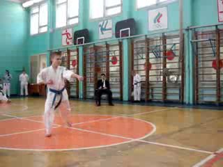 Роман на соревнованиях по кекусинкай каратэ КАТА