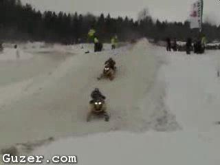 Двойная неудача! Убрался на снегоходе, дважды!