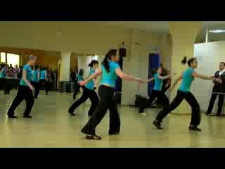 выступление группы по фитнес-аэробике под руководством Анны Перхун
