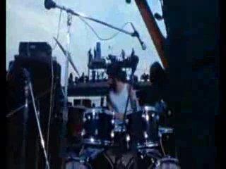 Вудсток 1969 - три дня мира и музыки - часть 1 (перевод).