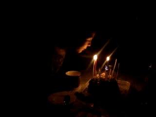 Колюшин день рождения. Правила задувания свечей.
