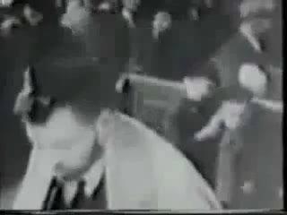 Шокирующее историческое видео