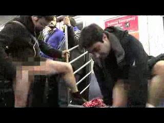 Без нижнего белья в метро/No Underwear Subway Ride (Faked For April Fool's 2010) [flashmob 2010][HD]