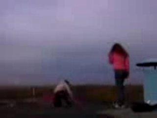 Лишенная парня девушка прыгает с крыши. Подруга прыгает за ней. Смотреть до конца, последняя фраза 3-й подруги - шедевральна :D