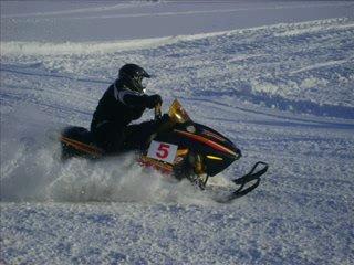 Про гонки на снегоходах