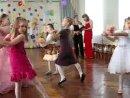 Танец с куклами. Праздник в детском саду.