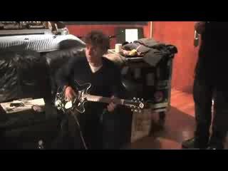 Снова приколы в студии - Дэвид поёт кантри