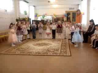 детки поют песенку-поздравление для всех на свете мам к 8 марта